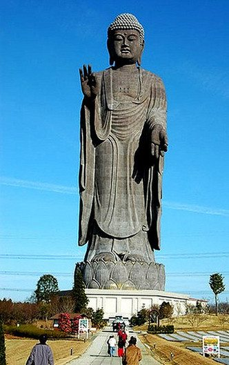 highest_statues_of_the_world_01